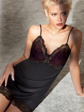 elegantes-Nachthemd-